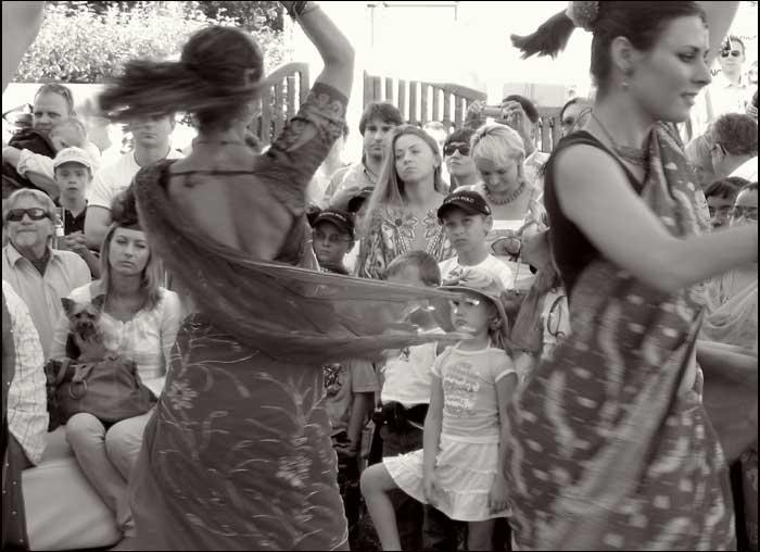 foto: taniec hinduski, zespól, wystep
