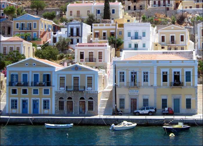 Grecja, wyspa Simi, greckie miasteczko, port