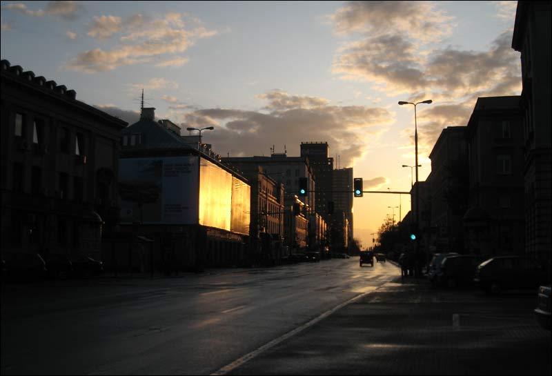 Warszawa, ulica Świetokrzyska, jesien