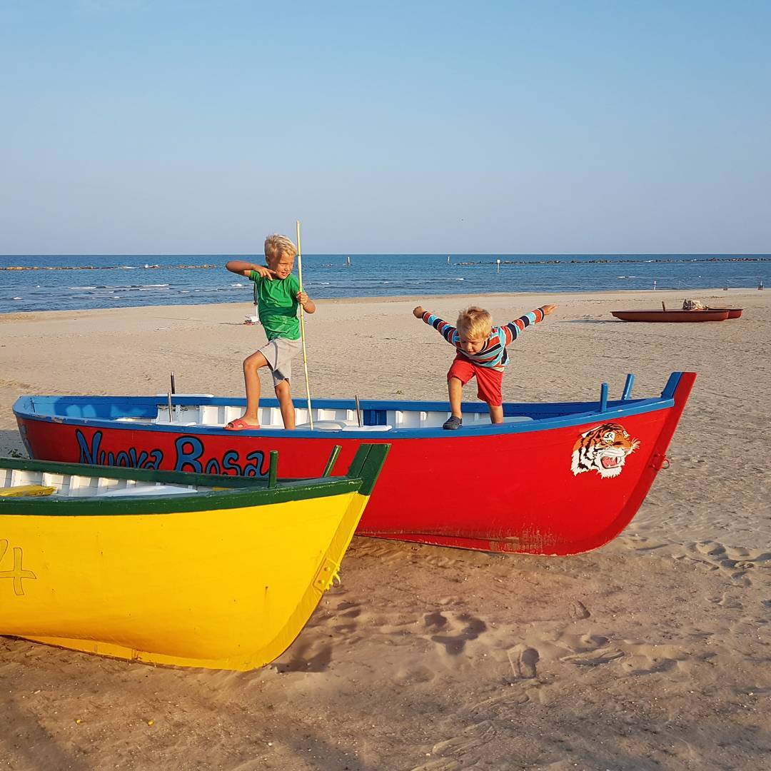 morze dzieci łodzie mare kids sea villarosa martinsicuro