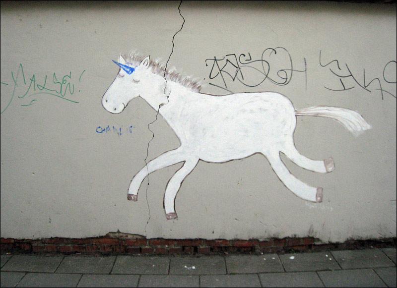 wilno, jednorożec na murze, graffiti