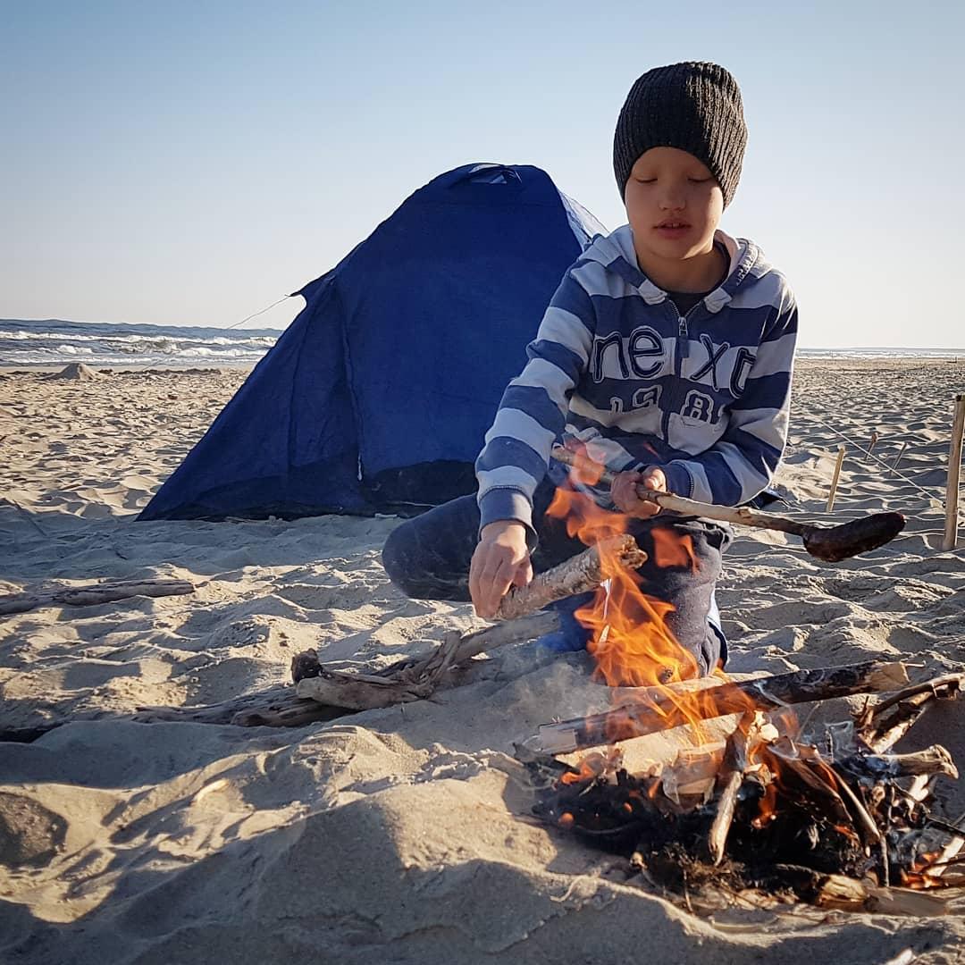 morze, kiełbasa, namiot, biwak, plaża